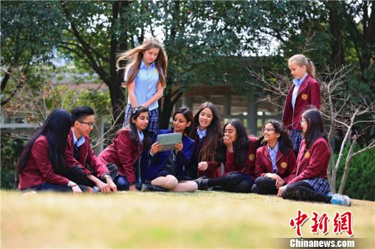 """外国小留学生的""""中国求学记"""":想和中国一起成长"""