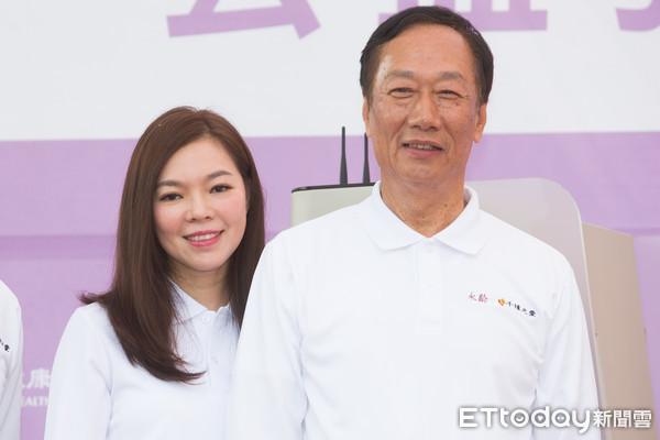 68岁郭台铭自爆还想再生:正和太太曾馨莹协调中