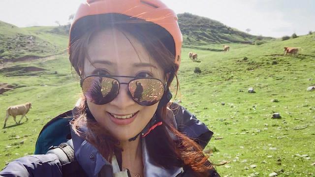 许婧国外学飞行迫降羊群中,告别陈赫她开民宿过上让人羡慕的生活