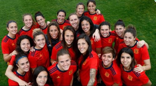 同组对手西班牙女足公布大名单 王霜队友入围