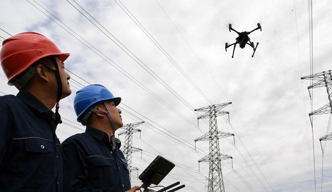 安徽亳州:无人机巡线保安全