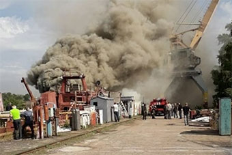 乌在建间谍船失火 曾因外形酷似拖网渔船引关注