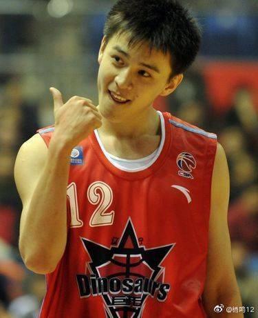 杨鸣宣布退役 转型助理教练