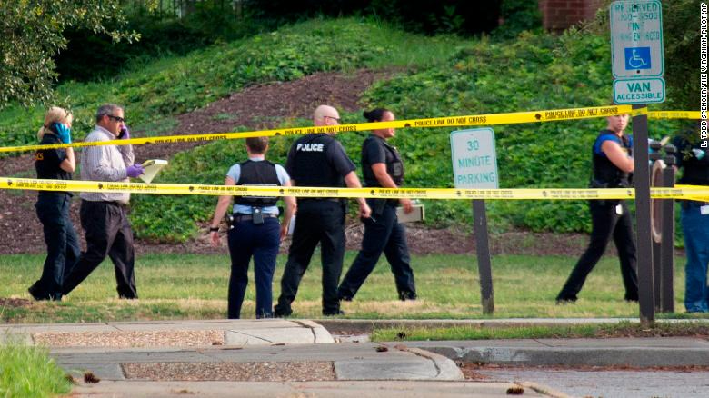 美媒公布弗吉尼亚比奇市枪击案嫌犯信息:名为德韦恩·克拉多克,40岁