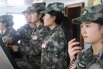 陆军海战队!我军首批船艇女士官学员初上战位