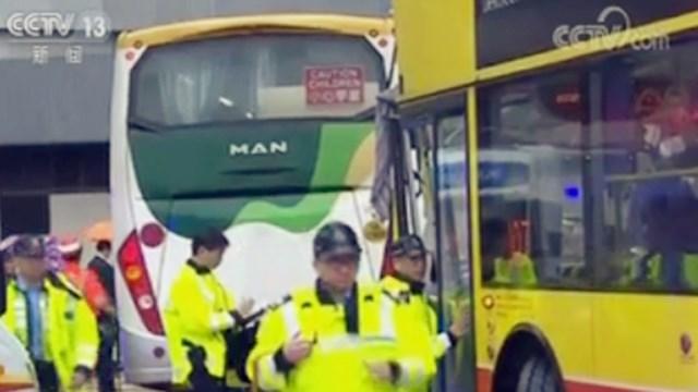 香港两巴士相撞,62岁司机涉嫌危险驾驶被捕