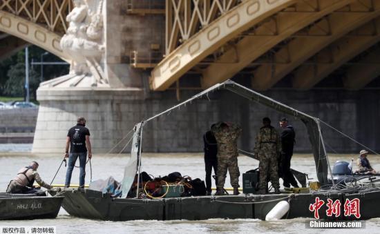 匈牙利船难后续:搜救持续 生事船长或面对8年刑期