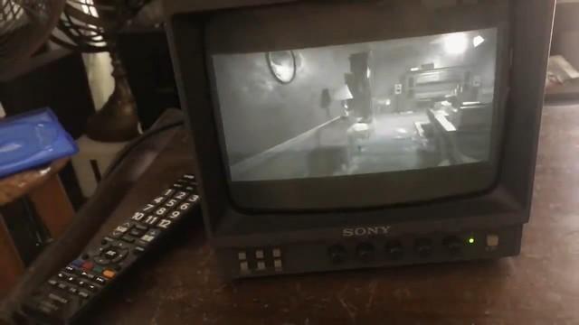 用黑白电视玩生化危机 是怎样一种体验?