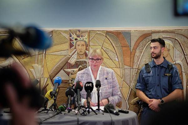 瑞典法院驳回检方要求逮捕阿桑奇的申请