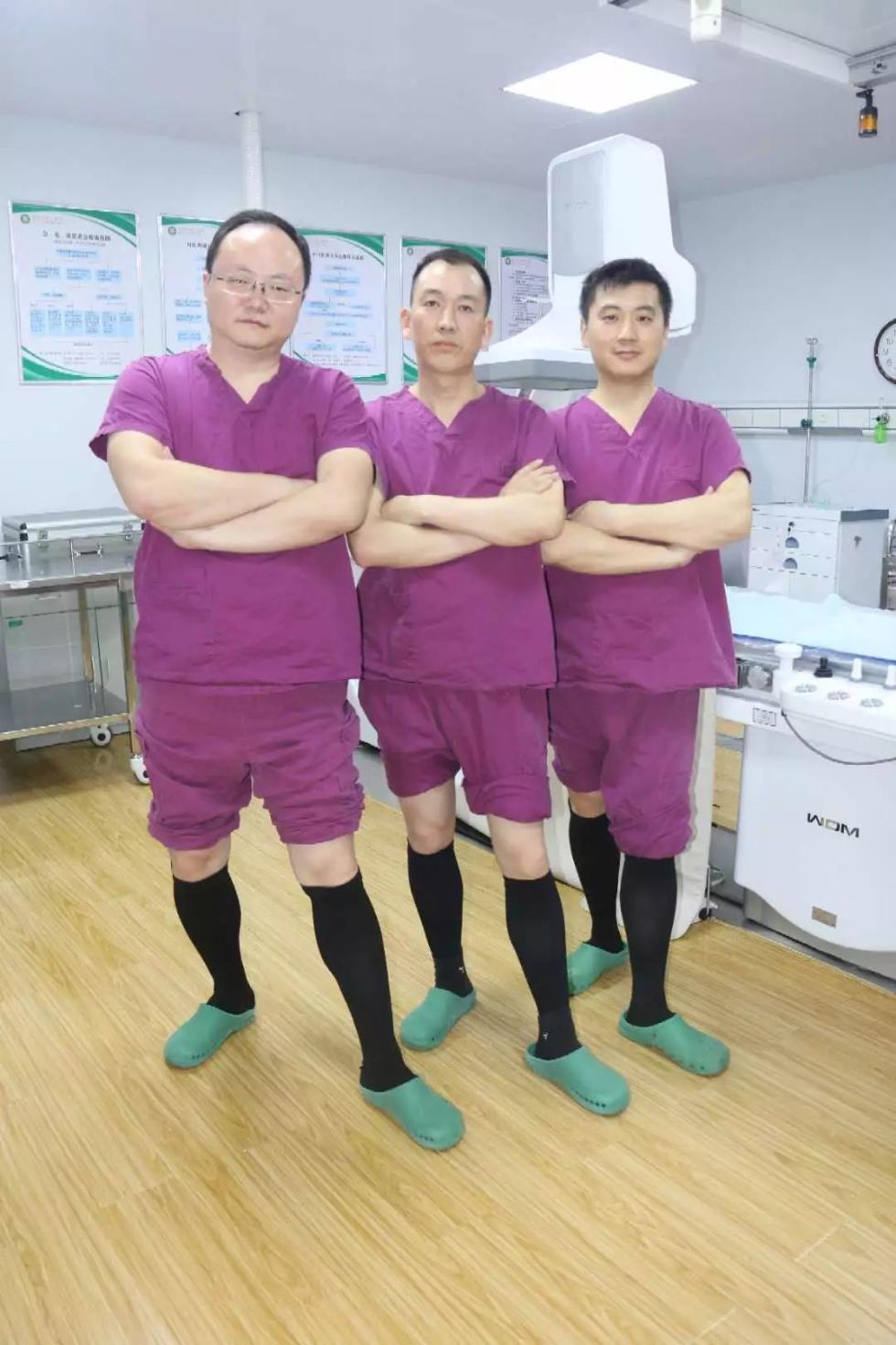 """暖心!这群男医生,爱上穿""""丝袜"""",背后故事好暖"""