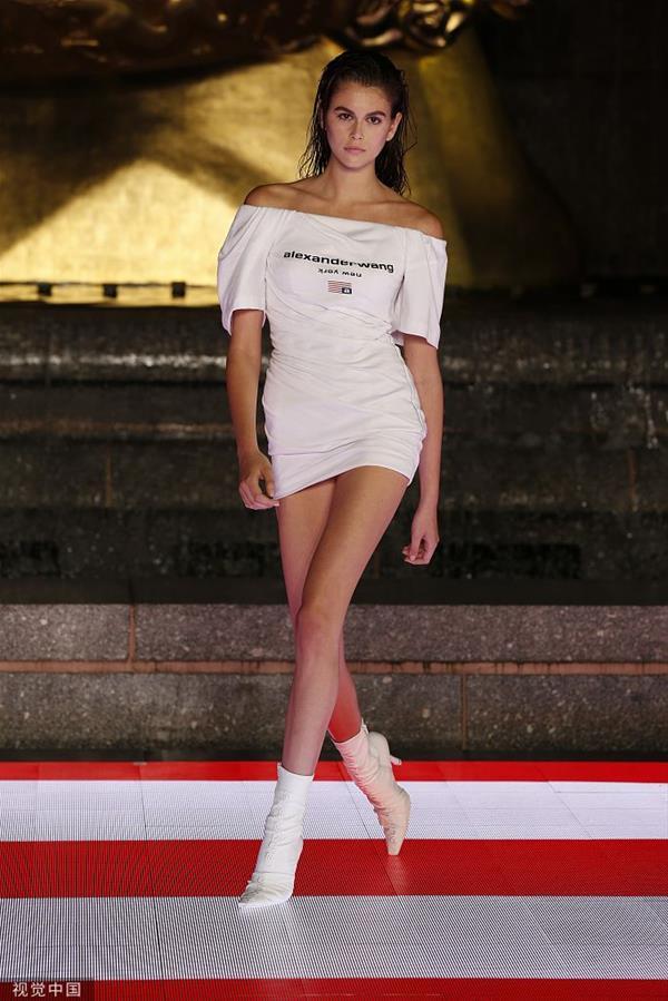 Alexander Wang 2020早春系列 凯雅白裙活力满分