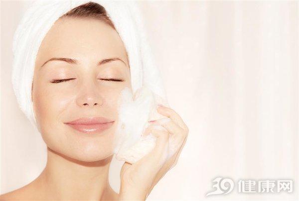 脸部清洁的正确步骤是怎样的
