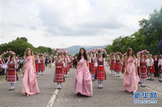 因種植玫瑰而聞名于世 保加利亞慶祝玫瑰節