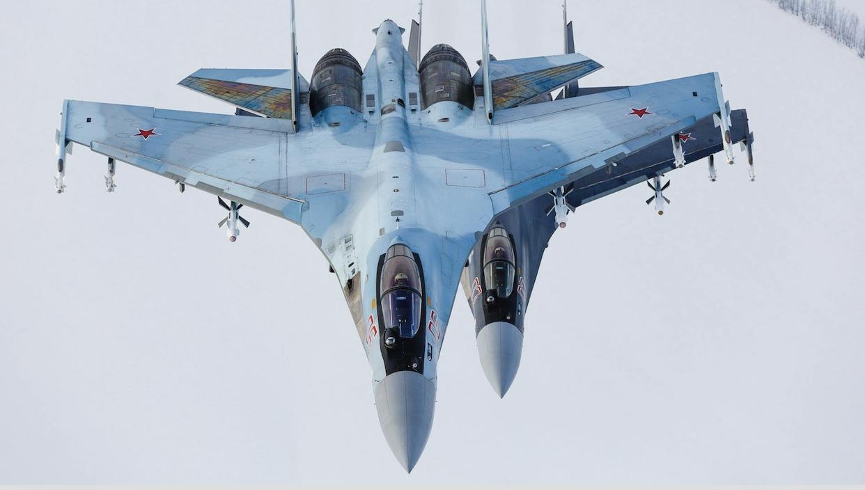 """3小时拦截3次?俄否认苏-35""""危险靠近""""美机"""