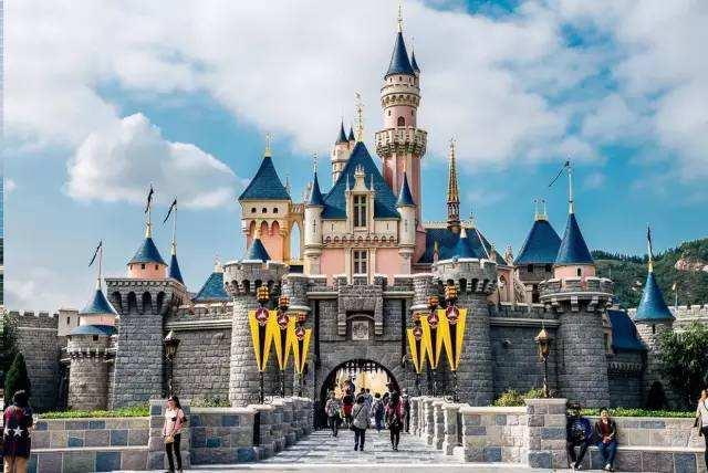 深港高�|铁和港珠澳大桥增加香港迪士尼游客量