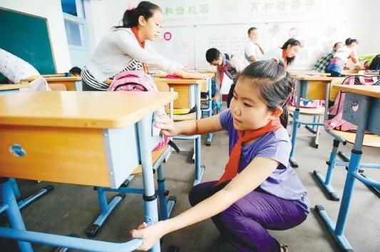 小学生每天劳动12分钟!劳动教育绝不只是个高考作文题