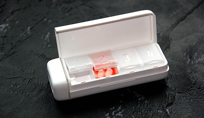 HiPee智能药盒开箱:携带便携,贴心提醒用药时间