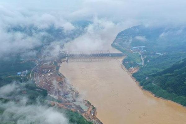 广西柳江迎来今年首个洪峰