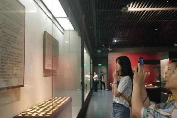"""""""大汉海昏侯——刘贺与他的时代""""566件文物亮相深圳"""