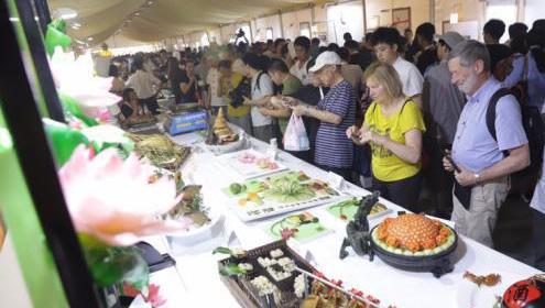 2019武汉美食文化节开幕 荆楚美食呈现视觉盛宴