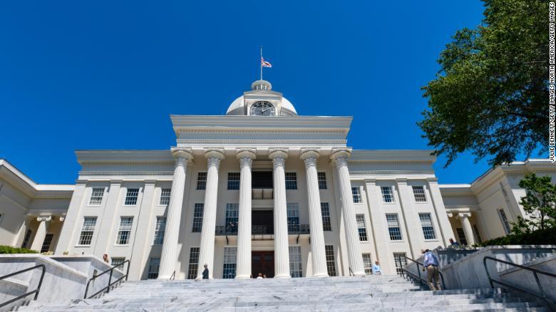 美阿拉巴马州州长签署法案,性侵儿童者将被化学阉割