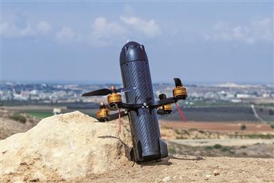 """加拿大公司推""""无人机子弹"""" 可高速撞毁目标无人机"""