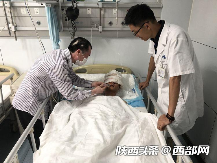 西安男博士讲述被熊袭击后自救过程:报警、止血、找水源