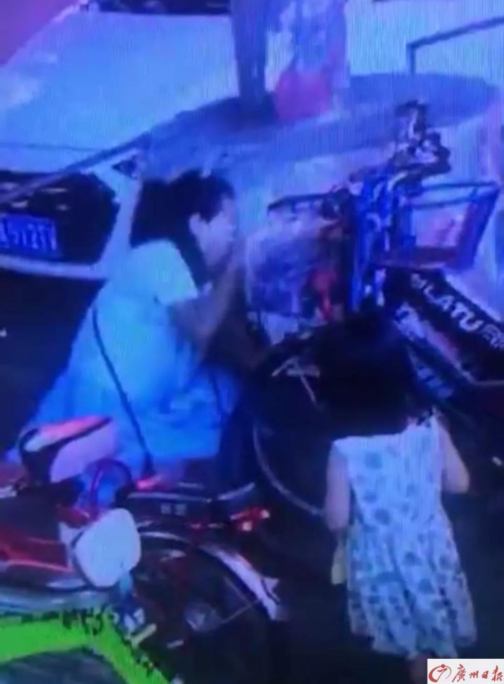 3岁女童独自离开,父母急坏!视频拍下这一幕,让人直冒冷汗……