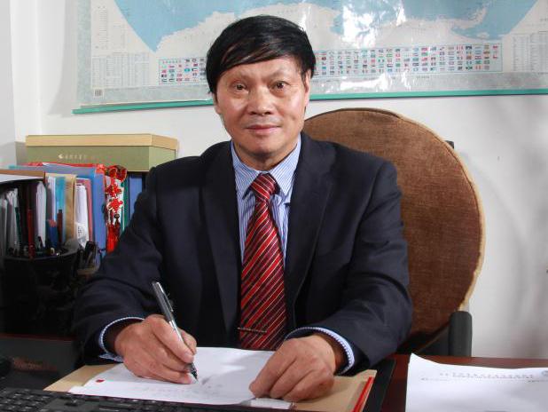 中国商业联合会副会长:谭新政