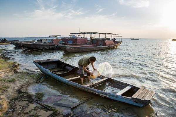 江西持续强降雨 致最大淡水湖鄱阳湖水位快速上涨