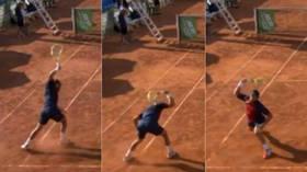 西班牙网球手因输掉比赛当场怒砸球拍,网友:恨自己不成钢