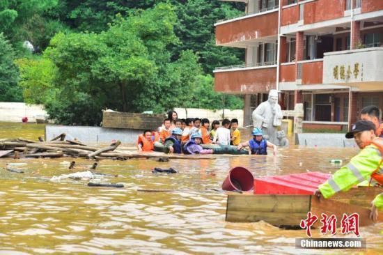 江南中南部华南等地有强降水 暴雨黄色预警持续发布