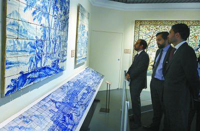 故宫展出葡萄牙瓷板画