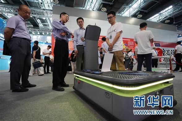 (科技)(7)北京:大众创业万众创新主题展开幕