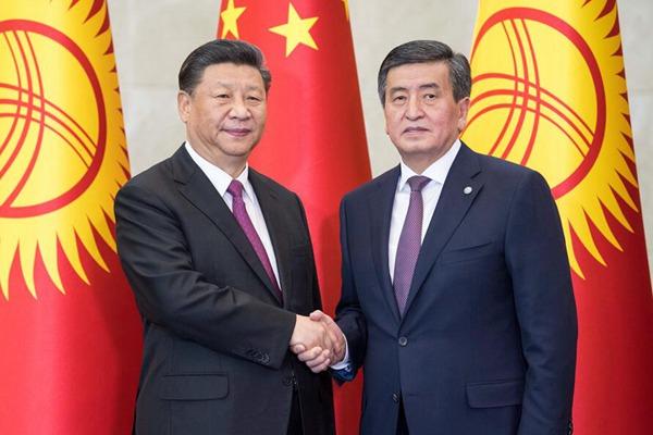 习近平同吉尔吉斯斯坦总统热恩别科夫会谈