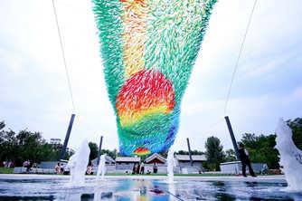 艺术装置《流曜》用科学和艺术传递自然的力量