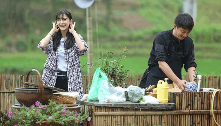 《向往的生活》黄磊辛苦做饭心甘情愿,粉丝:这是用心在交朋友