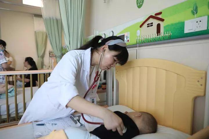杭州宝宝发烧不愿吃奶,一查细菌已进入大脑!这种病最近高发