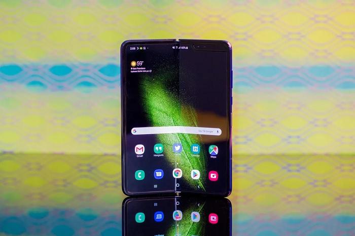 三星否认在7月发布Galaxy Fold折叠屏智能机