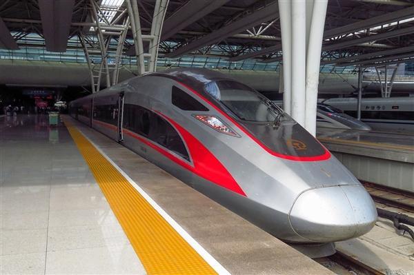 世界首次 京张高铁将实现300-350公里时速自动驾驶