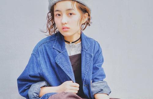 张子枫再现鬼魅一笑,当她抬起头的瞬间,网友:好可爱