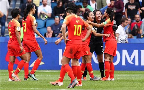 中国女足0:0战平西班牙队 小组第三晋级16强