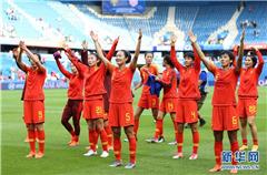 擦干泪水,中国女足希望能走更远