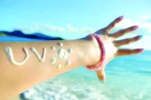防晒霜可致血液中化学成分超标
