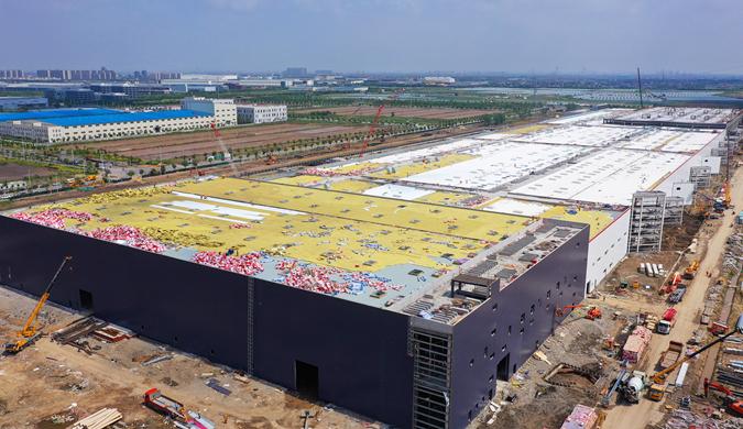 特斯拉上海超级工厂进度惊人 生产设备正安装调试