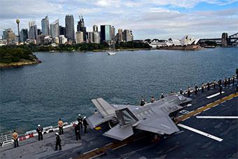 这次不惊呼了:美军黄蜂号两栖战斗舰抵达悉尼