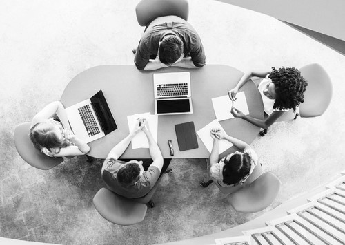 女性高层比例低 商业与管理中的女性:变革的商业案例值得关注
