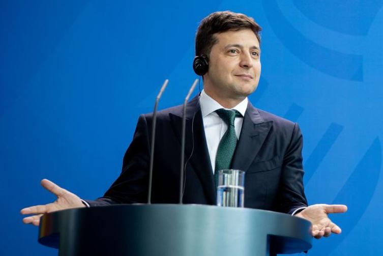 """""""夸""""了句美女如云,乌克兰新总统却犯众怒"""