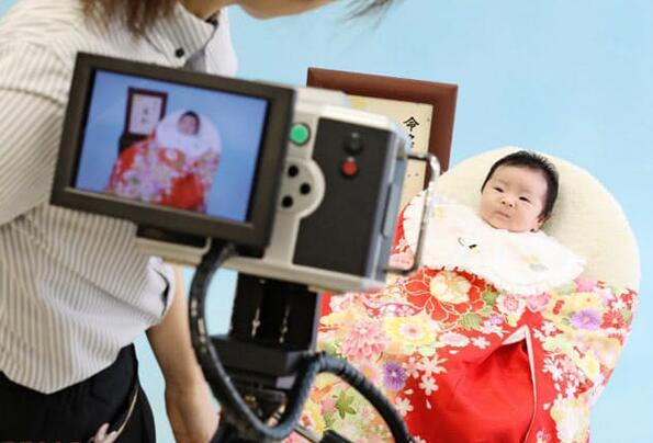 """日本少子化问题不容乐观,""""令和宝宝""""或成扭转局面的最后希望"""