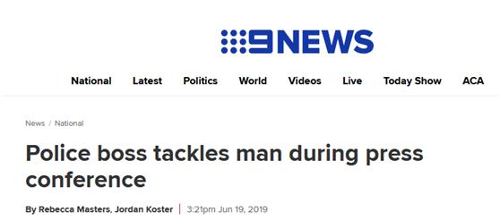采访中发现可疑男子,澳警察立刻转身将其扑倒制服